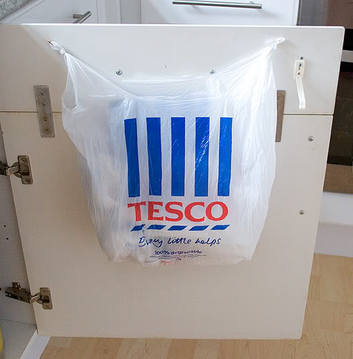Plastic bag holder