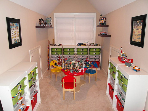 Ultimate Lego Room from Honey And Fitz